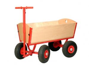 Roter Bollerwagen aus Holz